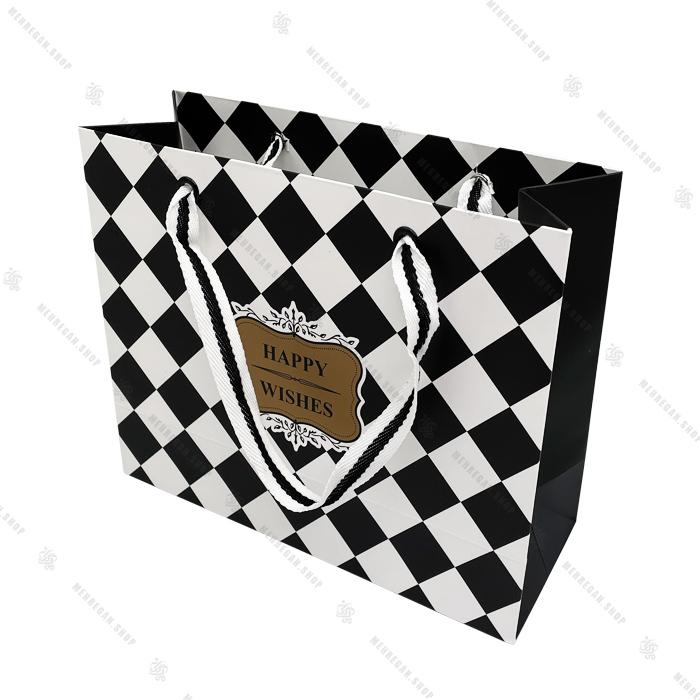 بگ کادوئی کوتاه مدل شطرنجی سیاه و سفید